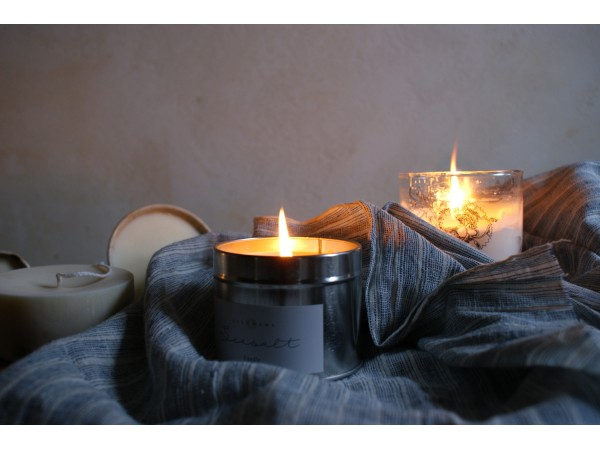 MISC Scented Candles and Aromatic Diffusers in tins